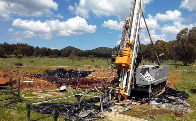 Trabajos de investigación minera por parte de Valoriza Minería, del grupo Sacyr, en la finca Las Herrerías de Alconchel/HOY
