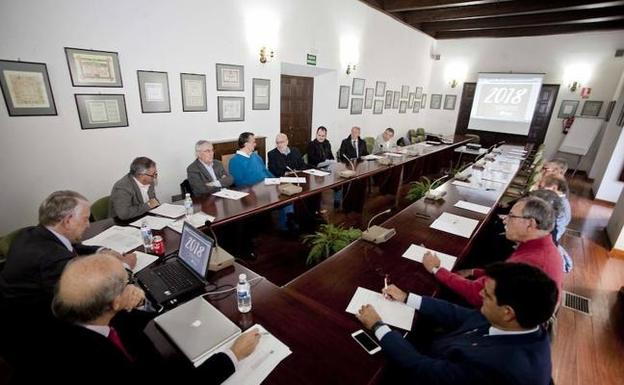Profesionales jubilados prestarán asesoramiento altruista a emprendedores en Cáceres