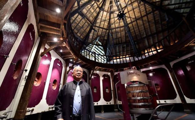 El inversor hongkonés Peter Kwok, en su 'chateau' de Bellefont-Belcier.