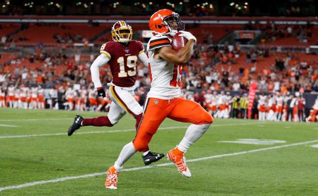 Damon Sheehy-Guiseppi anota su 'touchdown' ante los Washington Redskins. /Kirk Irwin (Afp)