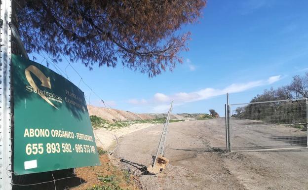Entrada de la planta de Sustratos de Extremadura en Villafranca de los Barros./M.A.P.