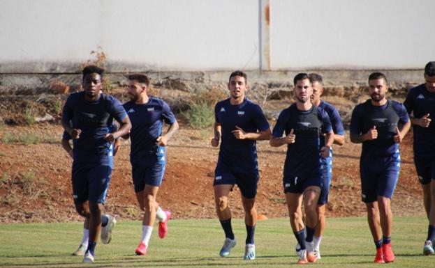 La mayoría de los jugadores del Extremadura vuelve a entrenar | Hoy