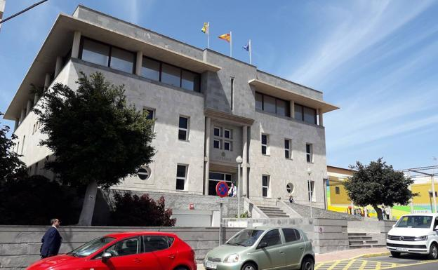Image of the courts on Secundino Alonso street, in Puerto del Rosario