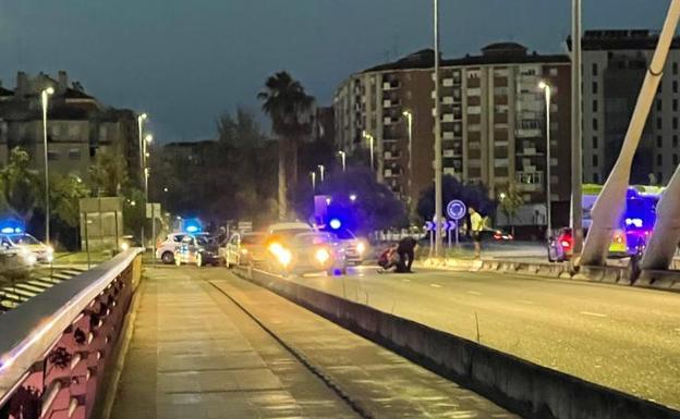Un hombre de 59 años resultó herido tras ser atropellado en la rotonda de Puente Real de Badajoz
