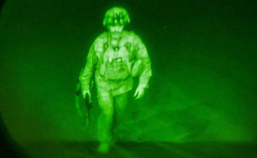Ang huling militar ng US na umalis sa Afghanistan.  / Reuters