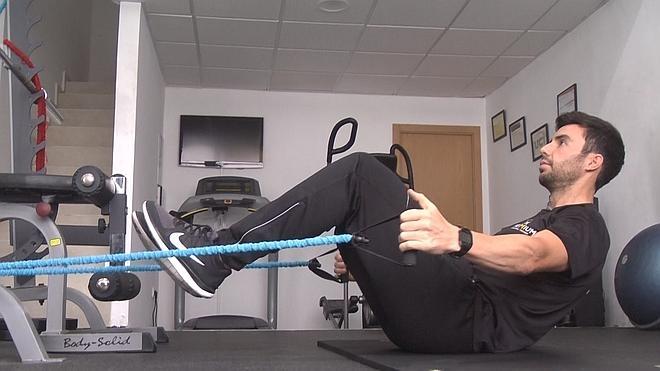 ejercicios espalda con gomas elasticas